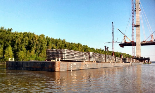 Audubon bridge panels stowed on barges