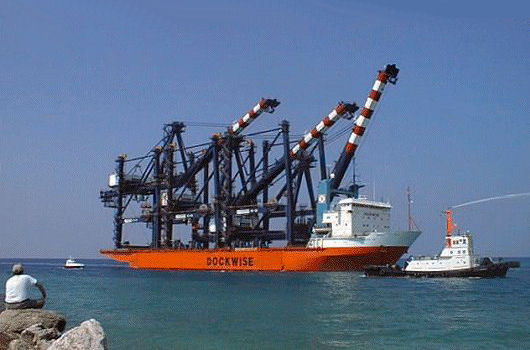 Dock Express 12 arrives with 3 Hyundai container cranes